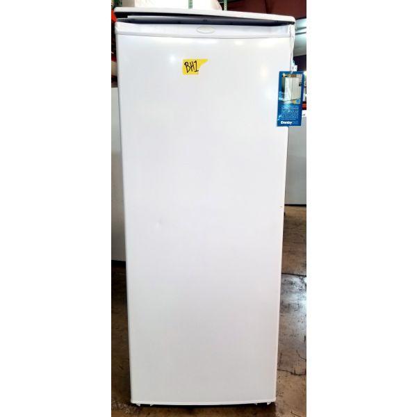 Danby 11 CF All Refrigerator, White, Scratch & Dent, 90 Day Warranty DAR110A1WDD BH1