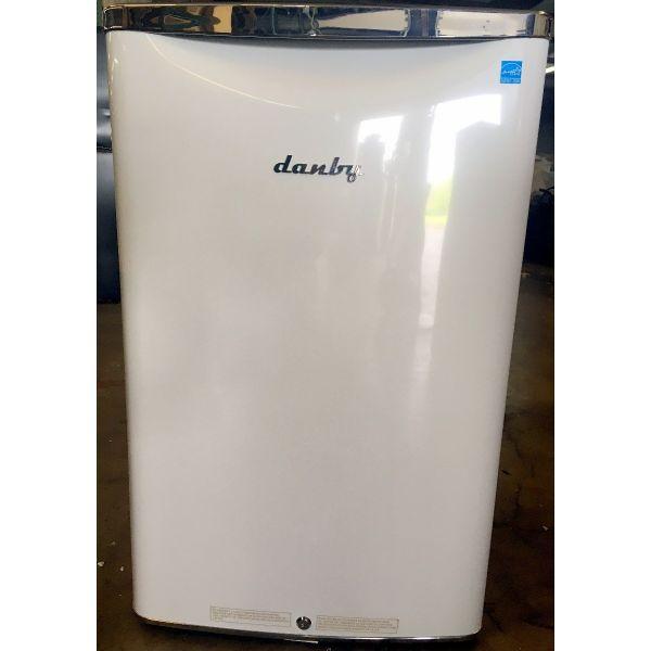 Danby Retro Style 4.4 CF Compact All Refrigerator White DAR044A6PDB 890
