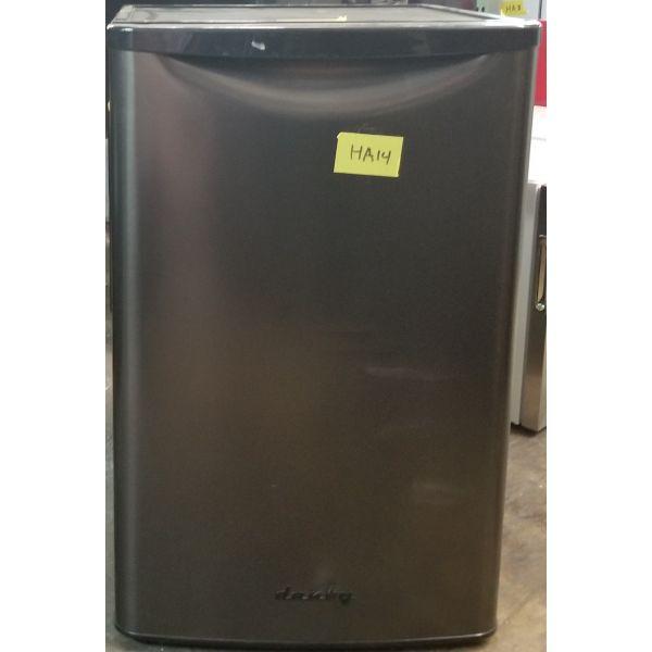 Danby Retro Style 4.4 CF All Refrigerator, Stainless DAR044A8BBSL HA14