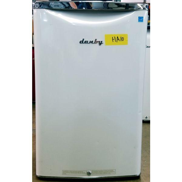 Danby Retro Style 4.4 CF Compact All Refrigerator White DAR044A6PDB HA10