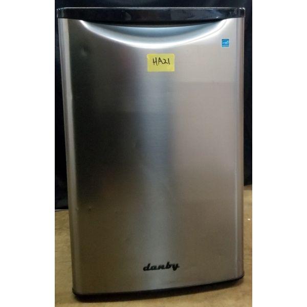 Danby Retro Style 4.4 CF All Refrigerator, Stainless DAR044A8BBSL HA21