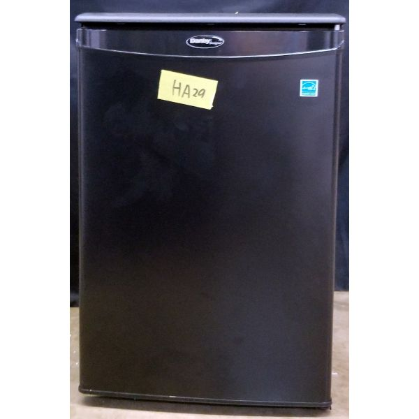 Danby 2.6 cf Compact All Refrigerator Mini Fridge DAR026A1BDD HA29