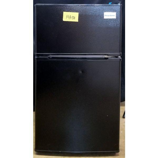 Keystone 3.1 Cu Ft Mini Fridge with Freezer, Black KSTRC312CB HA33