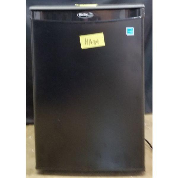 Danby 2.6 cf Compact All Refrigerator Mini Fridge DAR026A1BDD HA34