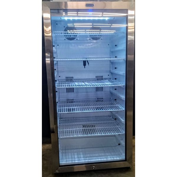 Whynter Freestanding 8.1 CF Commercial Beverage Merchandiser CBM-815WS 005
