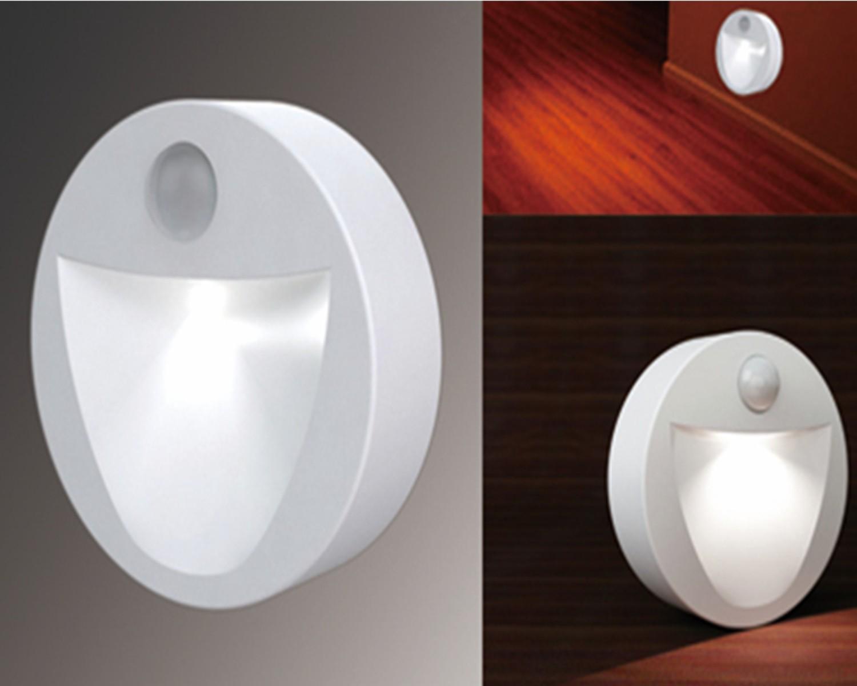 motion sensor activated led battery power night light wireless pack of 4 vslnsr1 ebay. Black Bedroom Furniture Sets. Home Design Ideas